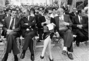 MªVictoria Atencia y Giner de los Rios con el Alcalde de Vélez-Málaga